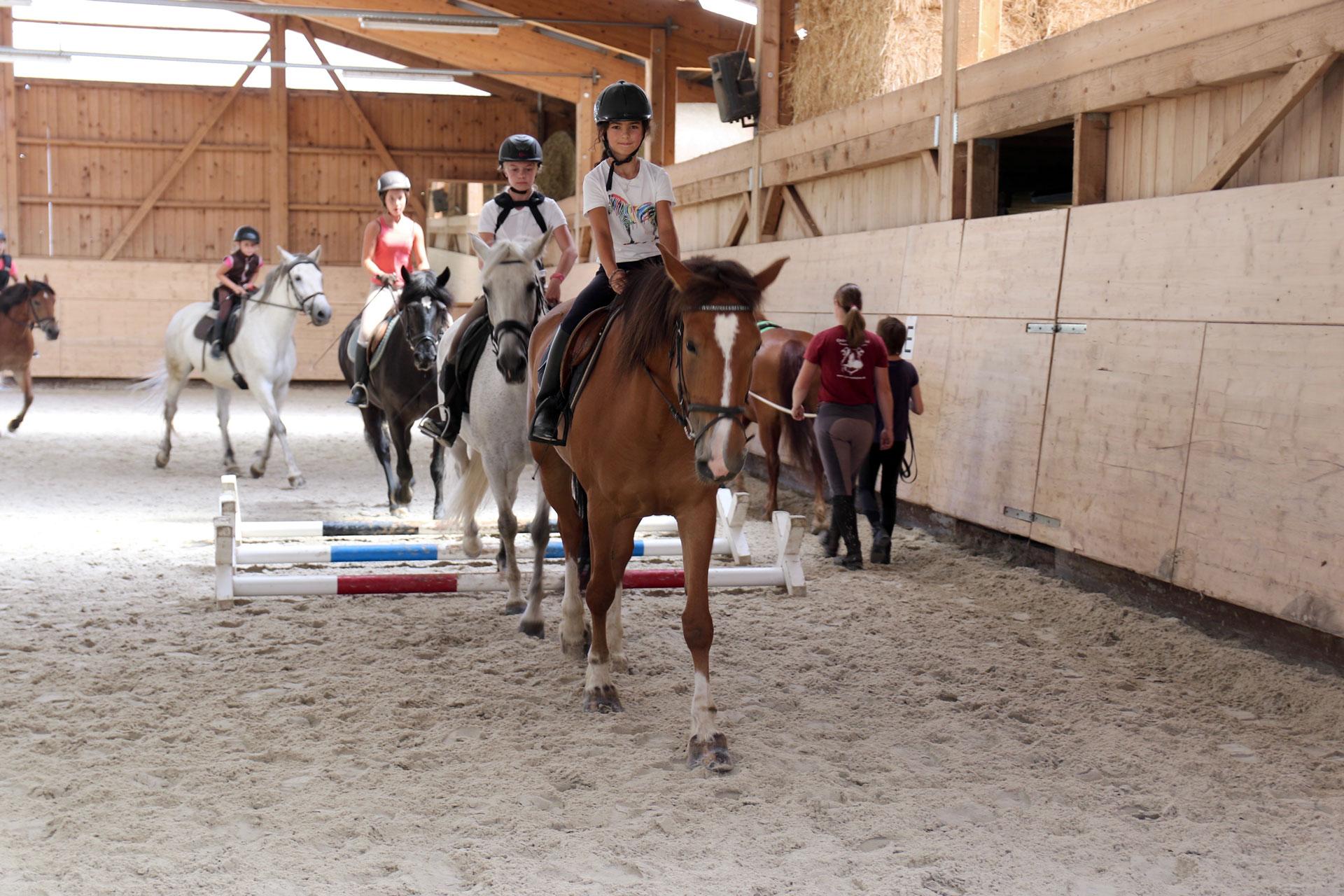 Camps d'équitation Ferme Équestre les Kà - Vuadens - Bulle Gruyère - école d'équitation